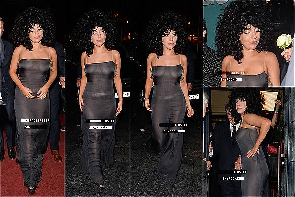 22/09/14 : Lady Gaga vêtu d'une belle robe a été aperçu sortant de son hôtel à Bruxelles en Belgique.