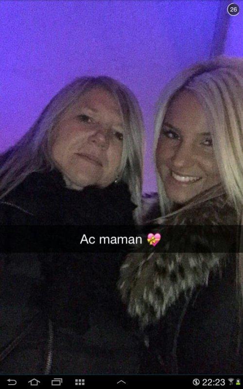 Brenda avec sa maman