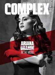 Ariana Grande qui pose pour Complex