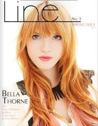 Bella Thorne qui pose pour Line