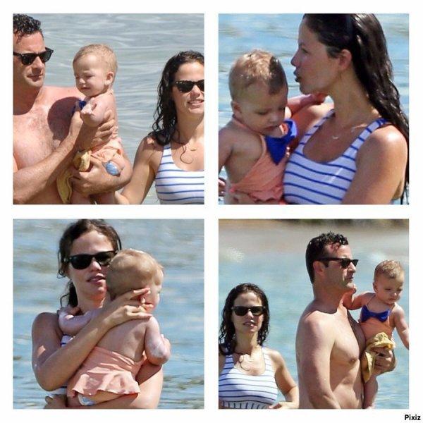Tammin Sursok avec son enfant et son copain