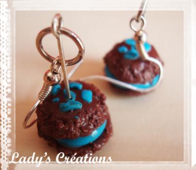 Boucles d'oreilles : Macarons Glacé au Chocolat.