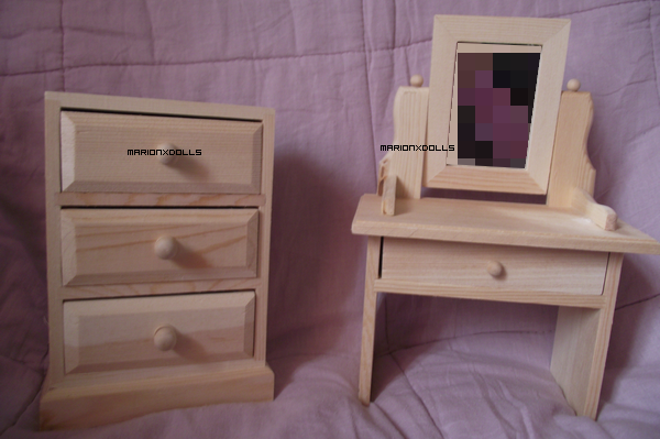 Commode & coiffeuse.