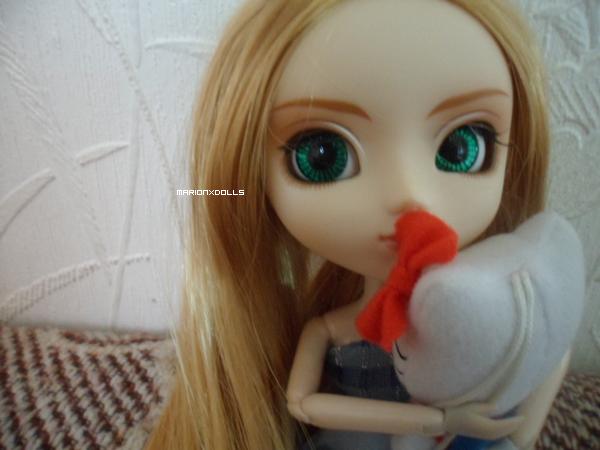 """""""Un doudou est bien plus qu'une simple peluche. C'est un ami, un confident. Un des seuls qui ne nous laissera jamais tomber."""""""