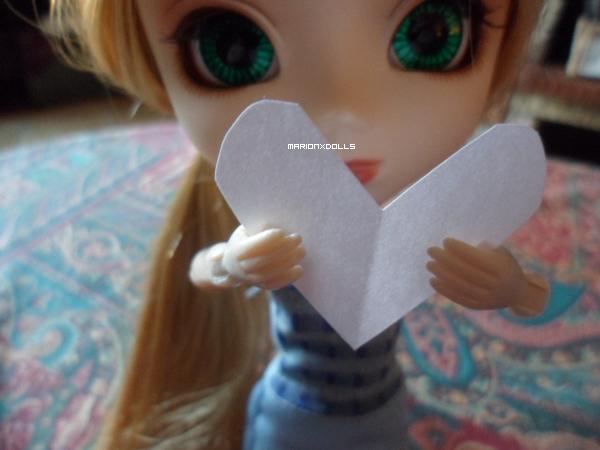 """""""La Saint Valentin... Ce jour si romantique pour les couples et si triste pour les célibataires."""""""