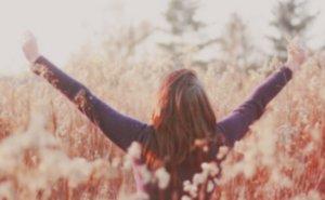 J'ai compris que le bonheur, ce n'est pas de vivre une petite vie sans embrouilles, sans faire d'erreurs ni bouger. Le Bonheur c'est d'accepter la lutte, l'effort, le doute, d'avancer. D'avancer en franchissant chaque obstacle.