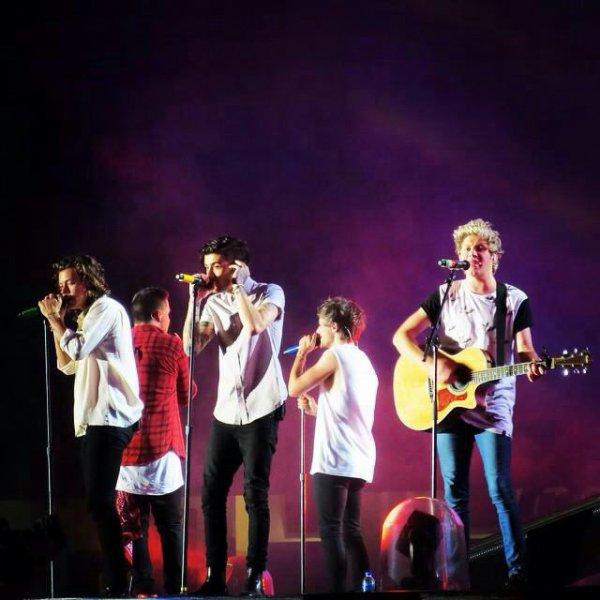 Les garçons sur scène à Melbourne aujourd'hui