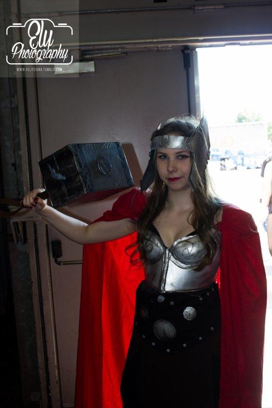 Fem! Thor cosplay by princesse-GreyLu-2000
