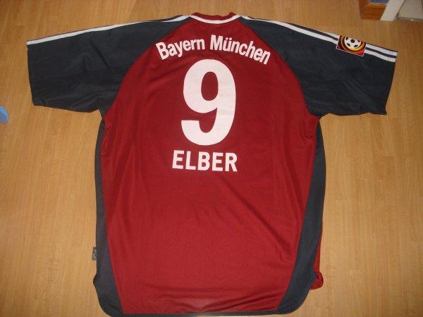 ● Maillot porté par Giovane Élber  *Saison 2001 / 2002