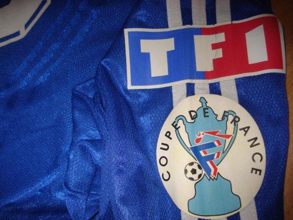 ● Maillot porté en Coupe de France par l' ESTAC *Saison 2000 / 2001