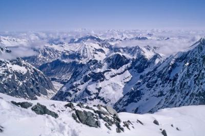 le Mont Blanc au loin