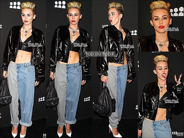 12/06/2013- Miss Cyrus était présente à une soirée organisé par « Myspace » au El Rey Théâtre à Los AngelesJe n'aime pas du tout sa tenue, à part sa veste qui semble être très jolie.. C'est un très grand flop..  qu'en pensez-vous? Top ou Flop?