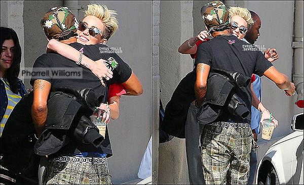 12/06/2013- Miley Cyrus a été repérée arrivant aux studios de Jimmy Kimmel à Los Angeles