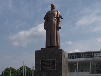 L'imposture de la République sur l'abbé Fulbert Youlou