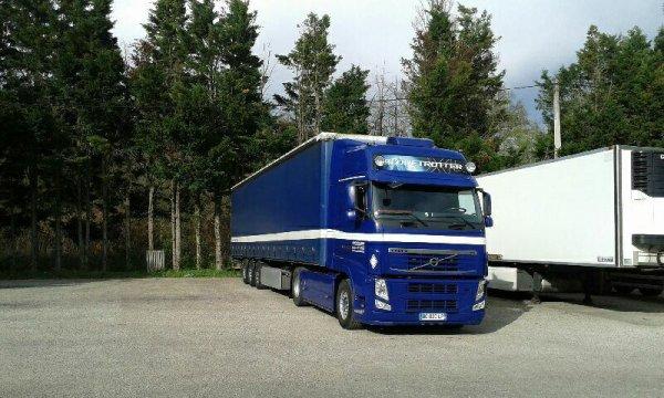 Nouveau patron nouveau camion pour mon frère.... Après + de 12 ans passé chez Solygotrans  ..reprendre la longue le démangeais ..