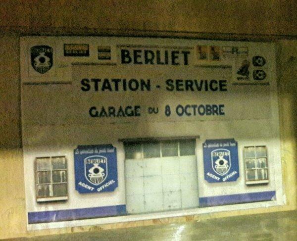 PETITE DÉCO GARRAGE BERLIET !!COMMANDÉE SUR EBAY !!