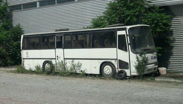 LE PAUVRE BUS À L'ABANDON !!!