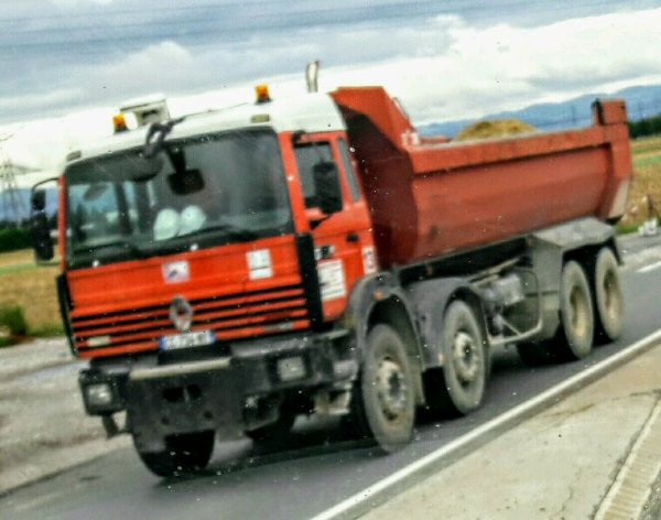 LE  RENAULT G 290 8×4 BENNE SUR LA ROUTE  D'HEYRIEUX QUI MÈNE AUX CARIERES DE ST LAURENT DE MURE !!!