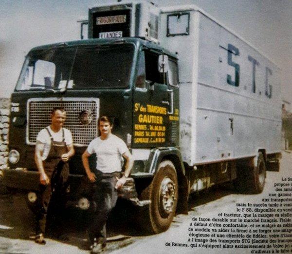 PHOTO SOUVENIR VOLVO F88 PORTEUR FRIGORIFIQUE DE MON ANCIEN EMPLOYEUR STG !! TIRÉE DU MAGAZINE CHARGES UTILES  NUMÉRO 20 LES ROUTIERS AUX RELAIS!!