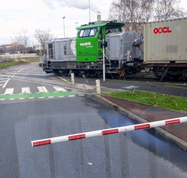 TRAIN GRANDE LONGUEUR!!