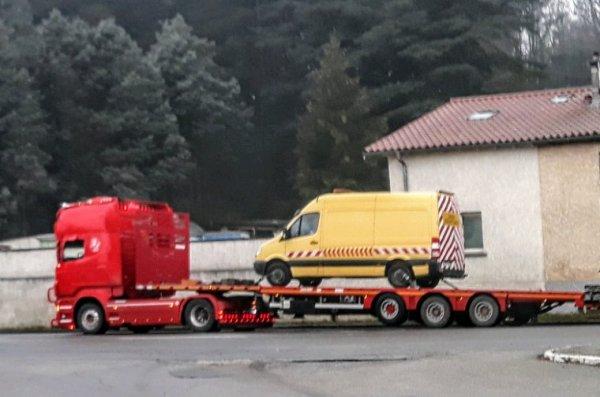SCANIA V8 ROUGE  !!
