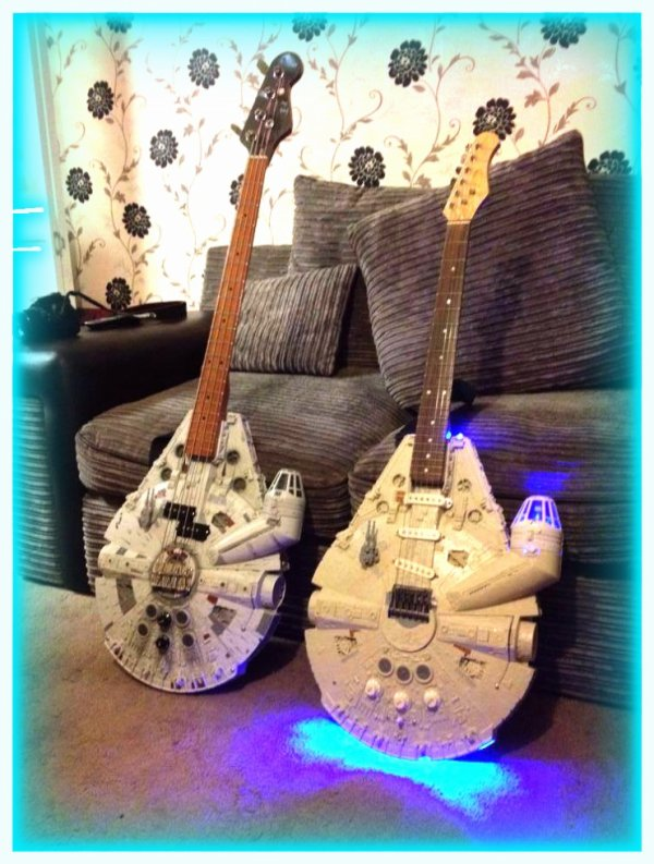 Guitare Star Wars pour The Rolling Floyd !!!!!!  ;)