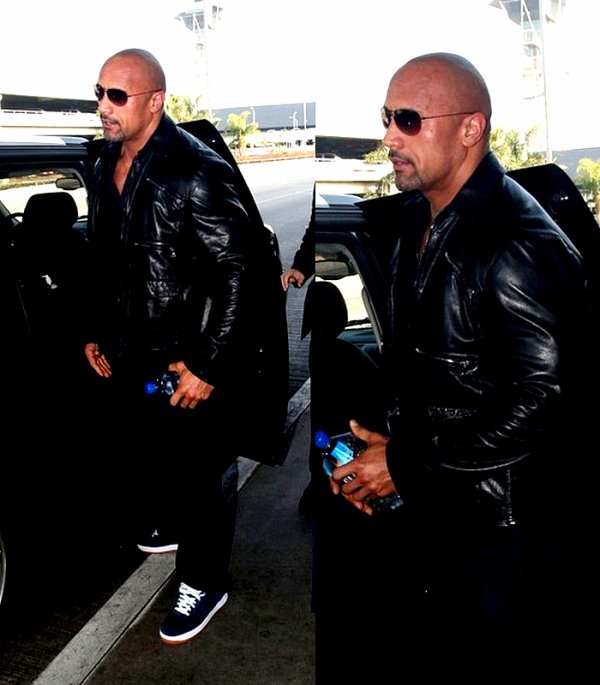 . ₪ DWAYNE JOHNSON QUI APPARAIT A LAX LA , CA ₪ .