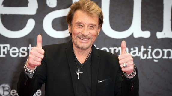 """Johnny Hallyday : meilleur démarrage de l'année avec """"Rester vivant"""", numéro un des ventes"""