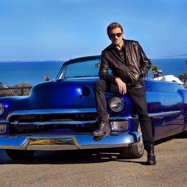 Fan de vieilles voitures américaines, Johnny Hallyday s'apprête à mettre en vente l'une des siennes pour venir en aide à l'association de sa femme, La bonne étoile.
