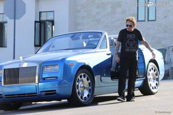 Johnny et sa belle voiture