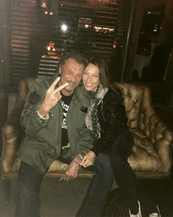Johnny complice avec sa fille Laura à Los Angeles