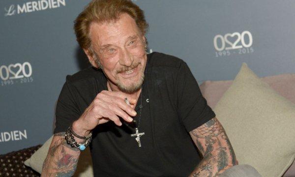 """De retour en studio, Johnny Hallyday rassure ses fans: """"Fuck le cancer"""""""