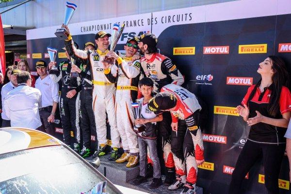 David HALLYDAY et Morgan Moullin Traffort triomphent en Championnat de France FFSA GT en s'imposant avec la Porsche Cayman Clubsport MR GT4 n°31 de l'écurie CD ...