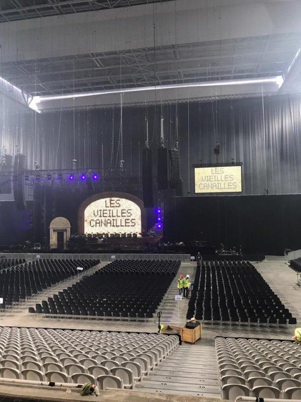 Début de la tournée des Vieilles Canailles ce soir à Lille. Souhaitons une bonne tournée à Johnny Hallyday Officiel, Eddy Mitchell Officiel et Jacques Dutronc.