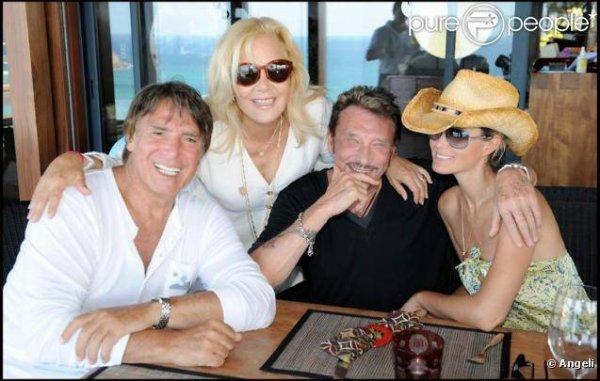 Johnny et Laetitia avec Sylvie et Tony Scotti