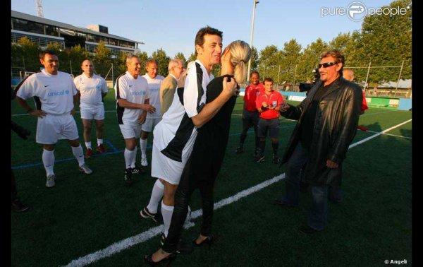 Match de gala à Clichy : Laeticia donne le coup d'envoi, les people réunis pour un match de foot délirant ! au profit de l'Unicef