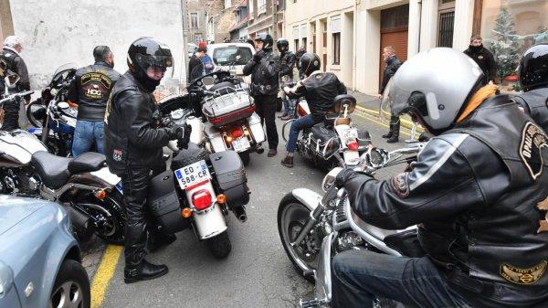 Un rassemblement de bikers devait avoir lieu ce vendredi à Boulogne en hommage à Johnny Hallyday. Il a dû être annulé à cause de la neige. Le concert à l'espace de la Faïencerie est maintenu.