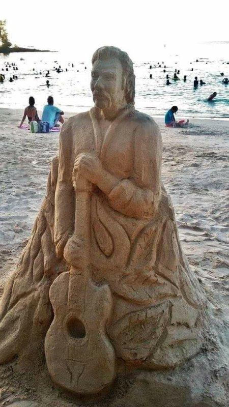 Avec cette magnifique statue de sable