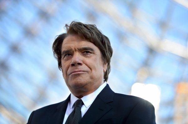 """Bernard Tapie sur RTL : si vous n'aimez pas l'album de Johnny, """"fermez vos gueules"""""""