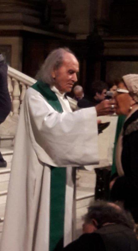 Nous avons eu le grand privilège d'avoir pour cette Messe, aujourd'hui, le Père Guy Gilbert!