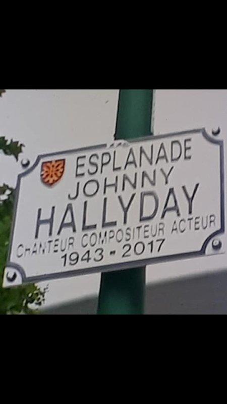Voilà fin d une belle journée pour fêter les 76 ans de notre Johnny.