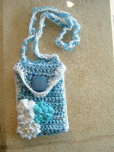 Création d'accessoires(sac à main, pochette portable,echarpe,chauffe-cou,ect.)