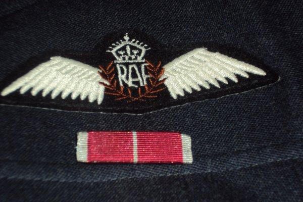 suite tenue R.A.F
