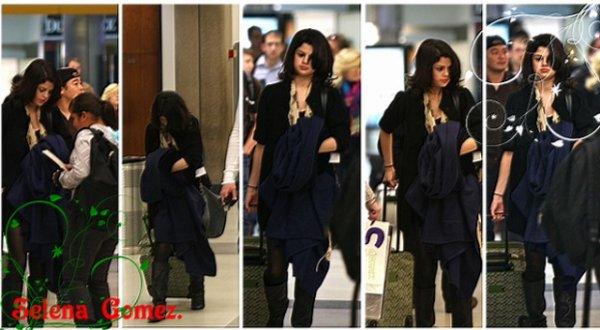 Selena arrivant à ' LAX ' ce 20 décembre, de San Francisco. Elle a l'air vraiment très fatiguée :o