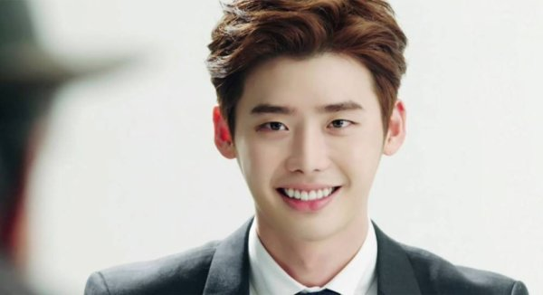 Lee Jong Suk considering lead role in upcoming crime film 'One Line' August 24, 2015 @ 11:09 pm