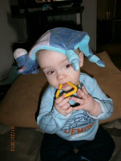 Kel pose avk bouriket et mon jouet ouahhhhh mon tyty jtm