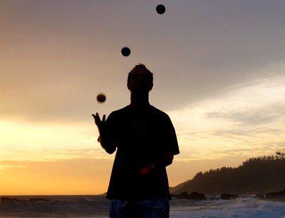 4 balles - plage de sable noir ( Réunion )