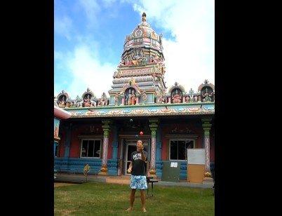 4 balles au temple de Saint Pierre ( Réunion )