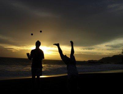 4 balles plage de sable noir ( Réunion ) + guest fun en bulle