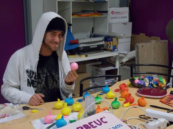 Fabrication de balles pour le festival Hey gamins! 2014 en partenariat avec l'Astrolabe Orléans et la Ville de Chècy